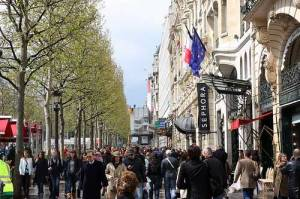 champs-elysees-shopping-paris